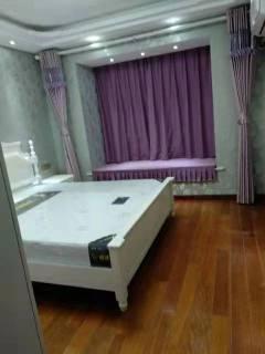 幸福华城12楼127平米3房精装修设施全