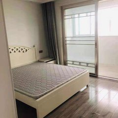 出租金色阳光两室两厅一卫一厨,月租1300一个月