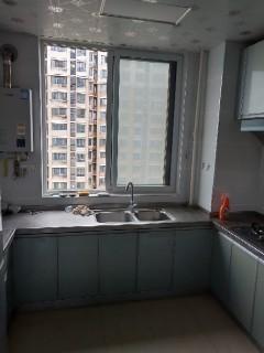 出租:清华园19楼,140平米、3室2厅1卫。