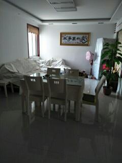 出售金诚福邸附近3室1厅1卫105m²精装修
