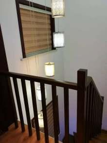 (城东)东方明珠5室3厅2卫180m²中档装修