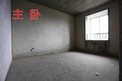 4千多单价三中学区,万成尚景3室2厅2卫130m²毛坯房