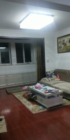 (城西)幸福华城4室2厅2卫205m²中档装修