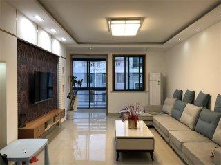 出售兴阳花苑5室3厅2卫239.29m²中档装修