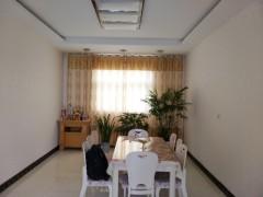 实小附近 平房 带院子2室1厅1卫130m²中档装修