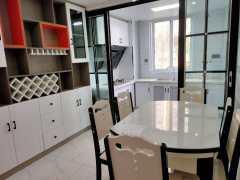 新城锦绣1楼3室2厅1卫毛坯全新装修,光线无遮挡,采光好!