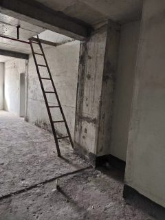 (城北)恒隆广场2室2厅1卫158m²毛坯房