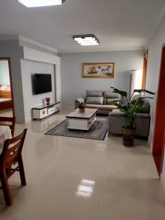 (城西)幸福花园3室2厅1卫100m²精装修
