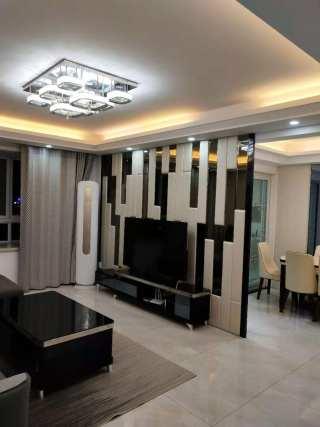 润洋壹品150平米豪华装修三室两厅两卫五楼电梯房