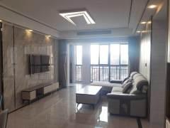 金色阳光电梯五楼,边户,双阳台,120平方,精装三室两厅。