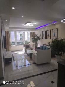 锦绣园豪华装修3楼,88.5万买南北通透房,三室两厅,送车库