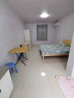 1室1厅1卫700元/月28m²精装修出租