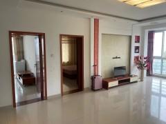 3室2厅1卫1600元/月130m²中档装修出租